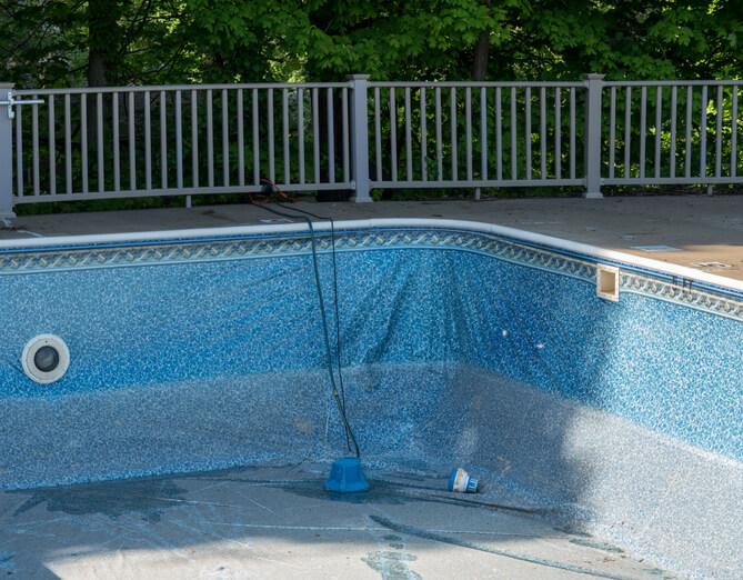 Poolwasser ablassen