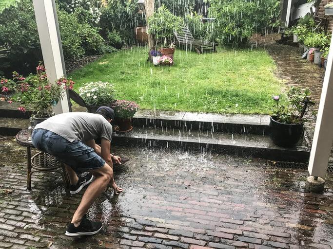 Wann darf Regenwasser versickern